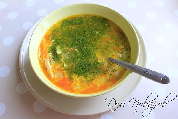 Наваристый суп с вермишелью на курином бульоне готов