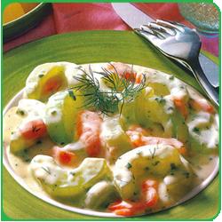 Горячий салат с копченым лососем