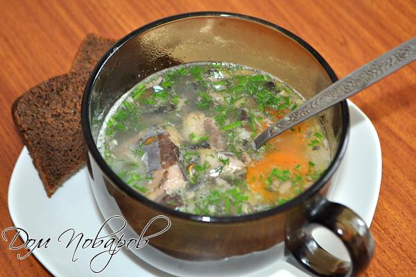 Суп с рыбными консервами готов