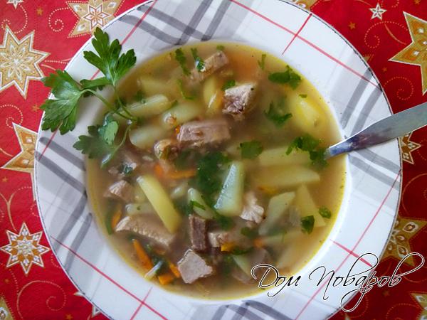 Сытный картофельный суп на мясном бульоне