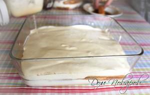 Оставшимся кремом покрываем печенье
