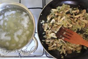 Обжарьте овощи на оливковом масле