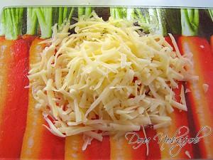 Натрите сыр на терке