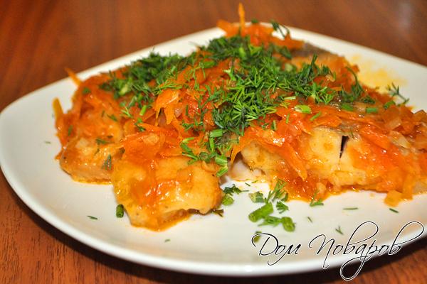 Рыбу под овощным маринадом принято подавать охлажденной
