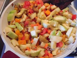 Тушите все овощи до готовности
